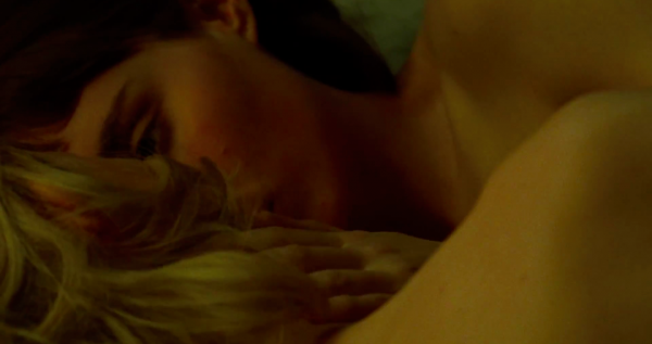 carol-movie-images-cate-blanchett-rooney-mara-bed-kissing-scene-3