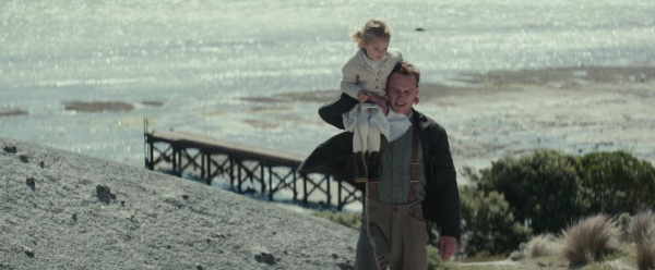 the-light-between-oceans-movie-images-alicia-vikander-michael-fassbender6