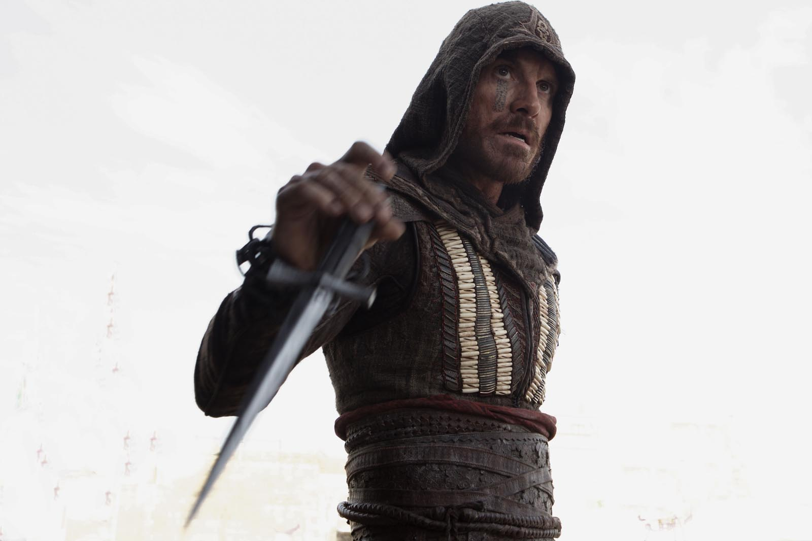 New Photos From ASSASSIN'S CREED Featuring Michael ...