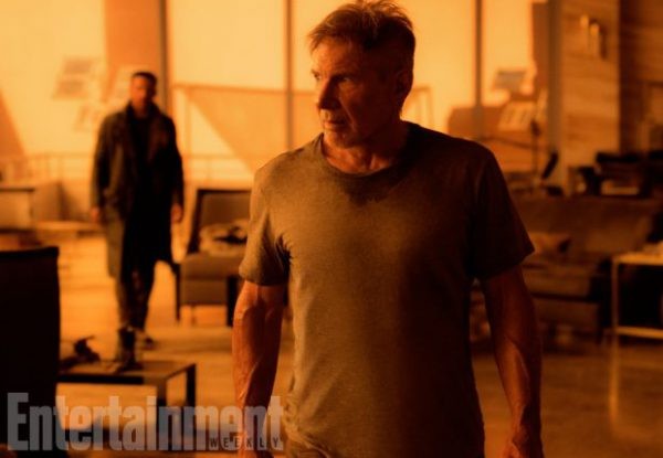 blade-runner-2049-official-movie-image-ryan-gosling-harrison-ford-1