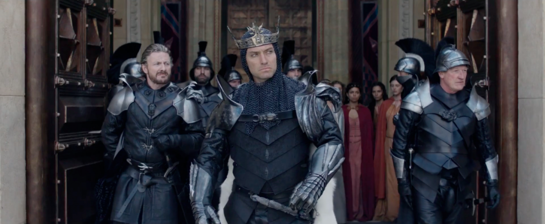 Jude Law Charlie Hunnam in King Arthur: The Legend of the Sword Movie