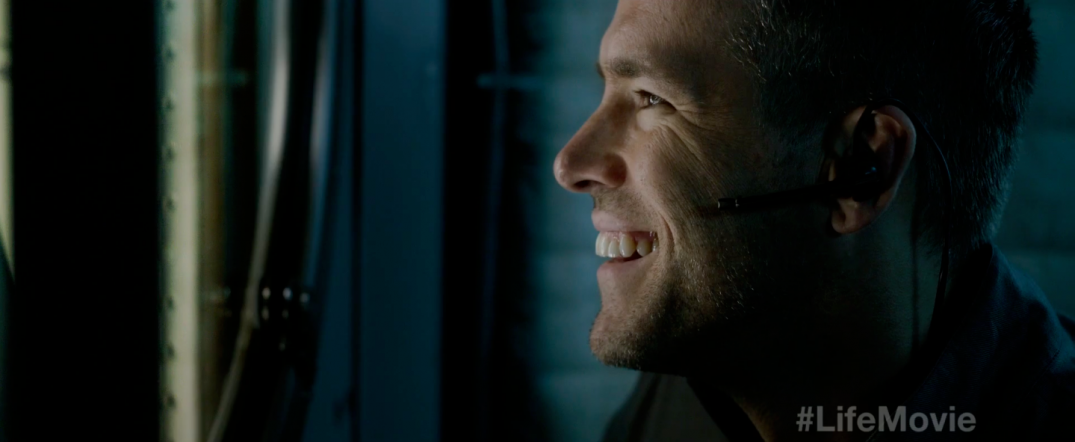Ryan Reynolds in LIFE sci-fi movie