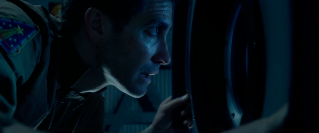 Jake Gyllenhaal in sci-fi movie LIFE