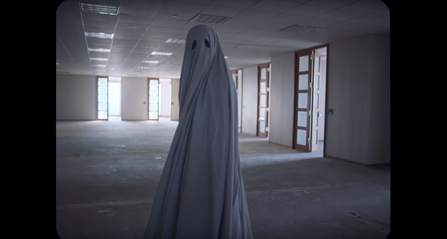 First Trailer for 'A Ghost Story' Starring Rooney Mara ... Javier Bardem 2017