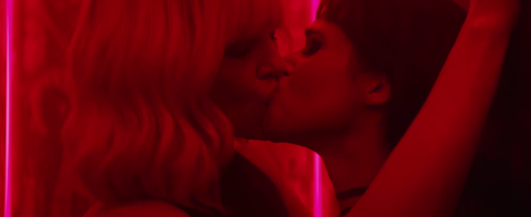Atomic Blonde Movie Image Stills Screenshots Screencaps Charlize Theron Sofia Boutella Kiss Kissing Making Out
