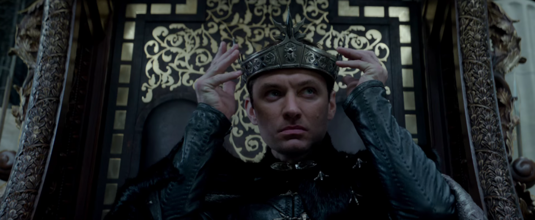 King Arthur Legend of the Sword Movie Image Jude Law